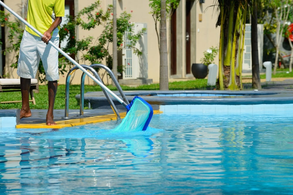 5 questions to ask a pool service contractor