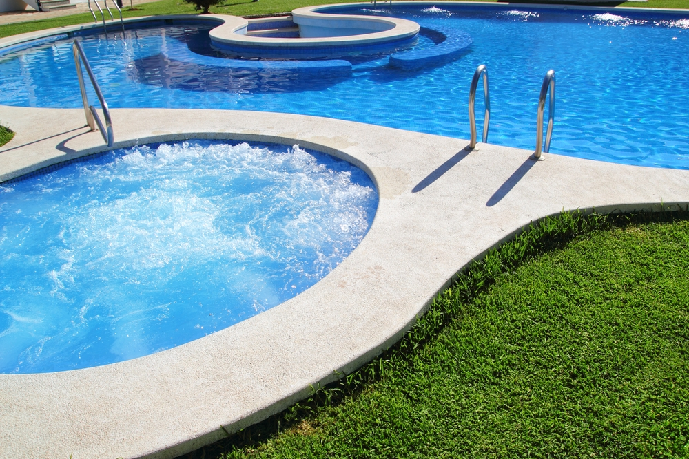7 ways to save on hot tub costs